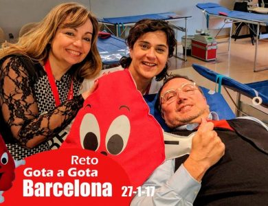 Reto gota a gota banco de sangre Barcelona con Begoña Ballesteros de Mayoball y Angel Pinar